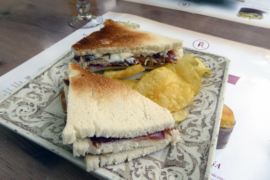 mediocre-ham-sandwich