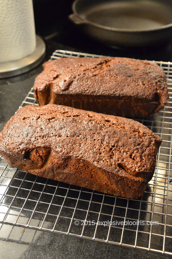 21-guinness-ginger-loaves-cooling